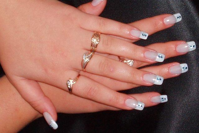 Дизайны ногтей с камнями фото